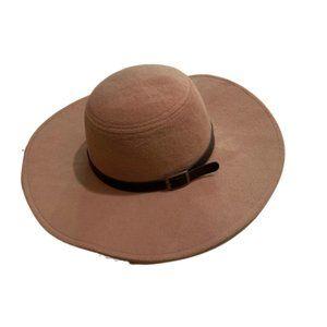 Women's beige floppy hat